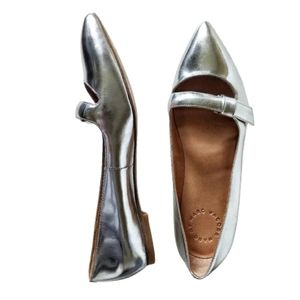 Marc by Marc Jacobs Silver Pointy Toe Flats 37.5